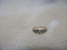 14K Yg Diamond Chip, Leaf Pattern, Band Unisex Ring