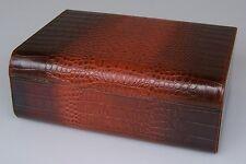 Humidor Leder Krokodesign für ca 80 Zigarren - mit Acrylpolymer-Befeuchter