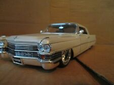 1963 cadillac 1/18  modern custom jada nice details loose display piece