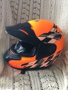 Polaris Snowmobile Helmet made By Bell Helmets