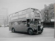 LONDON TRANSPORT BUS - RTL 620 (KGU 70) - ON ROUTE 42 @ ALDGATE BUS TERMINAL