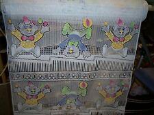 rideaux neuf avec clown L 60 cm vendu par tranche de 23 cm