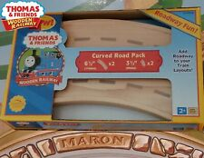 THOMAS & FRIENDS WOODEN RAILWAY ~ 2005~ CURVED ROAD PACK ~ ABSOLUTELY MINT! RARE