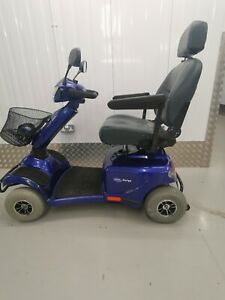 Invacare Auriga 6 mph,holds 23st 8lbs, brand new batteries