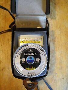 Near Mint Gossen Lunasix 3 Vintage Light Meter w/ Case