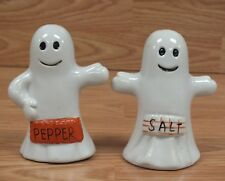 Unbranded White Ceramic Ghost Halloween / Fall Collectible Salt & Pepper Shakers