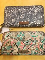 SAKROOTS Zip-Around Wristlet Wallet SPIRIT DESERT Two Colors 108583 New!