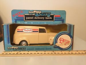 Ertl True Value '48 Chevy Panel Delivery Bank Diecast Locking Coin Bank Key 1/25