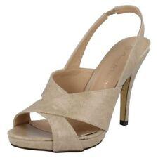 Sandali e scarpe stiletto beige casual per il mare da donna