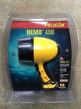 Pelican Nemo 4300 Submersible Water Scuba Dive Scuba Flashlight - Yellow