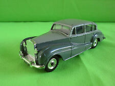 DINKY TOYS  1:43   ROLLS ROYCE SILVER WRAITH  -    RARE SELTEN IN GOOD CONDITION