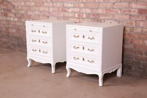 Henredon French Provincial Louis XV White Lacquered Nightstands, Newly Restored