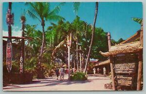 Honolulu Hawaii~International Market Place~Vintage Postcard