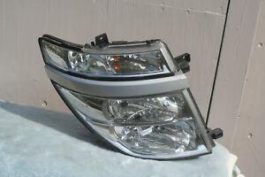 Nissan Elgrand E51 headlight Right #2   Japan