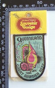 VINTAGE GREAT BARRIER REEF QLD EMBROIDERED SOUVENIR WOVEN CLOTH SEW-ON BADGE