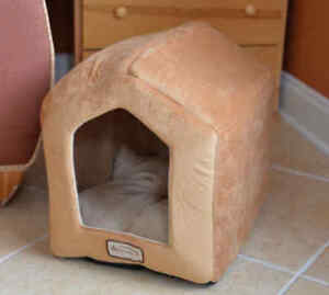 Armarkat Soft Velvet Cat Kitten Pet Hooded House Cave Bed Brown/Beige