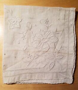 Vtg Madeira Hand Embroidery White Linen Wedding Handkerchief Hand Rolled Edges