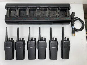 6 MOTOROLA CP200 4 CH VHF RADIOS AAH50KDC9AA1AN  WITH BATTERIES & GANG CHARGER