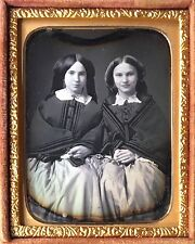 GORGEOUS YOUNG SISTERS IDENTIFIED LADIES PRETTY WOMEN 1/9 DAGUERREOTYPE D439