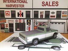 Papercraft 1973 International Harvester papercar  pickup truck  EZU-make model
