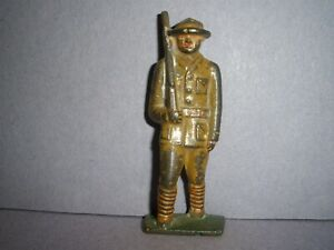 BARCLAY, MANOIL, GREY IRON, TOY SOLDIER  U.S. INFANTRY AT SHOULDER ARMS  (G9) !!