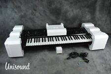 Korg Kronos 2 61-Key Music Workstation Synthesizer in Near Mint Condition