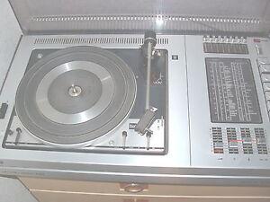 GRUNDIG  STUDIO 2000 HIFI SCHALLPLATTENSPIELER mit Radio nur an ABHOLER