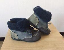 Chaussures Bébé Kickers En Cuir Fourres (Taille 22) Très Bon État