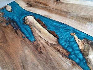 Walnussholz Couchtisch Massivholz und Epoxidharz
