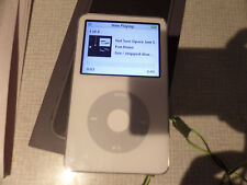 Apple iPod classic 5th Generation Enhanced White (80 GB)