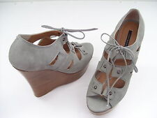 TONY BIANCO FINLAY LIGHT GREY CHICAGO LADIES DRESS HIGH WEDGES SHOES SIZE 9