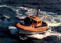 Schiffsfoto-AK Seenotkreuzer Schiff der DGzRS Strand-Rettungsboot GESINA Ship