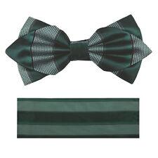 New in box formal Men's Diamond Shape Pre-tied Bow Tie & Hankie green white