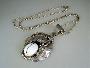 VINTAGE NAVAJO STERLING SILVER & WHITE BUFFALO TURQUOISE NECKLACE PENDANT signed