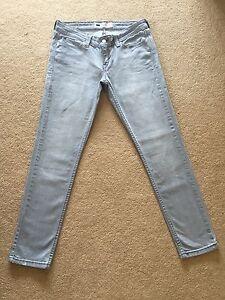 Women's Grey Stonewash Demi Curve Stretch Jeans W30 L29 Great Condition (672)