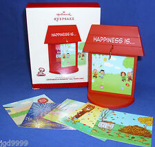 Hallmark Happiness is Peanuts All Year Long Ornament Display Stand 2013 Snoopy