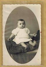 Carte Photo vintage card RPPC bébé robe coussin mode fashion pz028