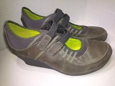 Tsubo AD7-02 Gray Leather Double Strap Hook Loop Wedge Shoes Womens Size 11