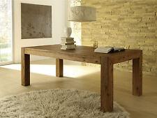 Markenlose massive Möbel aus Massivholz fürs Wohnzimmer