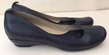 Clarks Black Ladies Shoes 5.5 /38.5 Leather Pump Small Heel Court Work Excellent