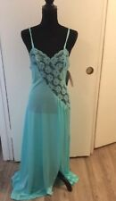 Vae Mode Vintage Long Teal Gown Slit On The Left Side