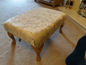 MINT CONDITION HAND MADE Oak footstool