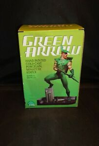 """Vintage 2004 """"GREEN ARROW"""" By DC Direct Mini Statue! Wagner & Buckner Excellent!"""