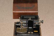 AEG Werke antike Mignon Modell Schreibmaschine Holzkasten & Schlüssel