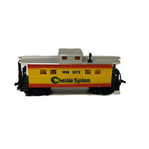 Vintage HO Life-Like Chessie System Caboose WM # 1872 D5