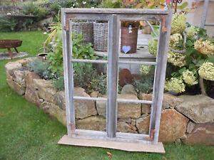 altes Fenster mit Rahmen Sprossen Deko Shabby verwittert