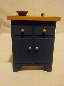 Miniature Wooden Country Kitchen Cabinet/Cupboard Hand Painted Home Decorate