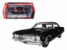 AUTO WORLD 1:24 1967 CHEVROLET CHEVELLE SS AW24006