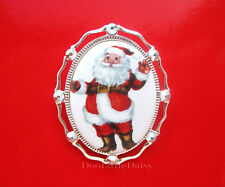 Costume Jewelry Pin Brooch Pendant Christmas Porcelain Waving Santa Claus Cameo