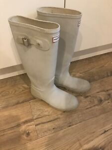 Hunters Wellies Size 4
